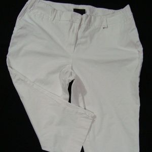 NWOT Lane Bryant Capri Pants White